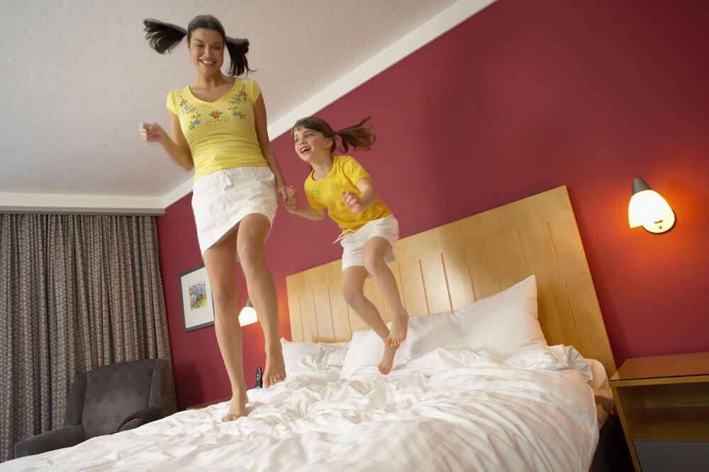 獨立筒床墊保養秘訣2:別在床上跳