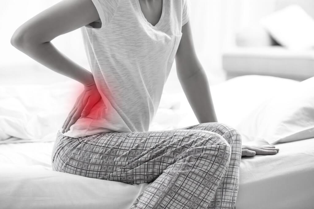 起床腰痠背痛的原因
