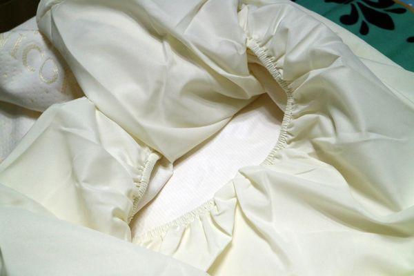 Derek防水透氣保潔床包以床包的方式緊緊包覆住我們的床鋪