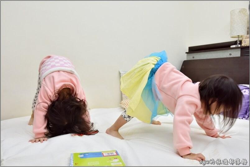 用過兩三款保潔床墊,防水透氣保潔床包上層的表布是最舒適的一款